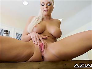 luxurious blonde hotty London river plays with her bald poon