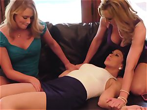 SEXYMOMMA - steaming mom smashes and shoots a load with two honeys