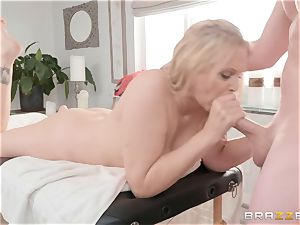 Julia Ann gets rubbed inwards and out