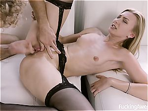 Alexa grace puts on her sexiest garment for a hook-up