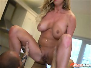 Meat pillar gobbling Aletta Ocean and Lexi Lowe get filled in the minges