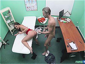 Hidden webcam fucky-fucky in the doctors office