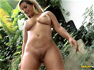 curvy brazilian donk ravaging - Nicolle Bittencourt