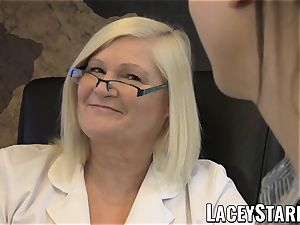 LACEYSTARR - GILF heals patient with girly-girl climax