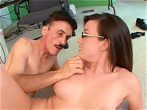 Jennifer white gets her face splattered with warm jizm