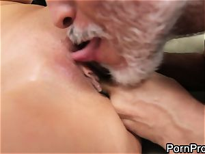 breezy Alanah Rae gets licked out by a wrinkly grandfather