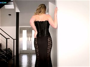 sexy Kagney Linn Karter luvs tearing up