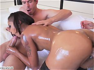 mind-blowing mulatto dame skin Diamond with petite cupcakes double penetration and squirting
