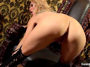 buxom towheaded Sarah Jessie plays with her vagina