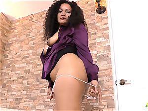 LatinChili bootylicious Mature Sharon Solo onanism