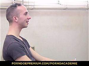 porno ACADEMIE - lecturer Valentina Nappi MMF 3 way