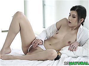 Anya Krey commences to gusto herself when her boyfriend walks in
