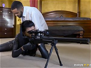 tough in rubber Romi Rain gets smashed by three super-fucking-hot spears