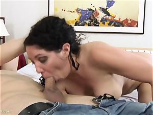 huge-boobed mummy Kiki Daire smashed rock hard