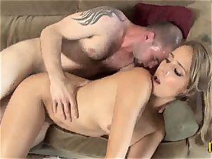 tempting Ella Milano gets her raw labia banged