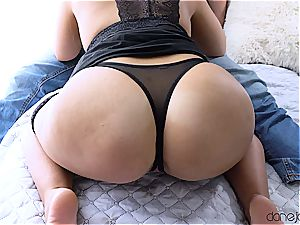 voluptuous foreplay leads to torrid hump