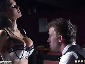 wondrous buxomy waitress Jasmine Jae gets her tight puss penetrated by Danny