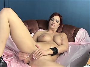 sensual Jayden Cole luvs teasing her sugary-sweet raw bean
