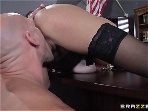 Warden Ariella Ferrera bangs her favourite prisoner