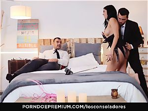 LOS CONSOLADORES - Romanian honey pulverized in group hook-up