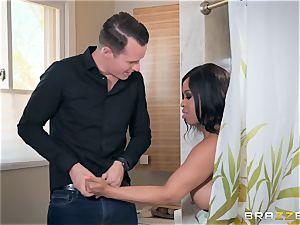 Sneaky bathroom boinking with Aryana Adin