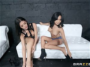Sophia Leone gobbling out her mate