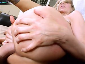 Julia Ann getting her gaping hole opened up